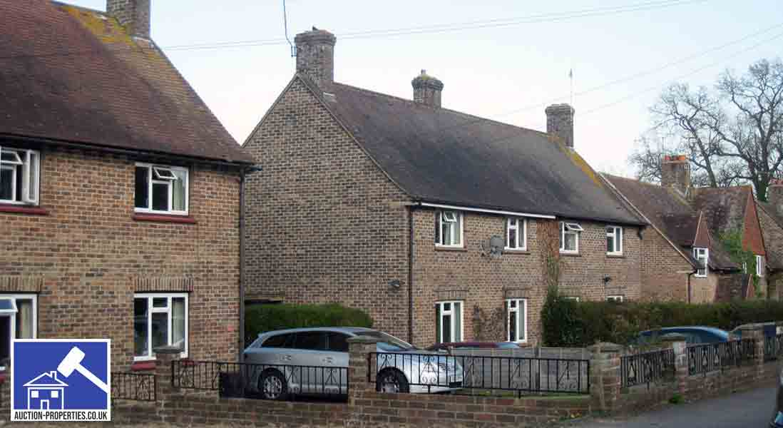 Image showing houses rented with a tenancy agreement form