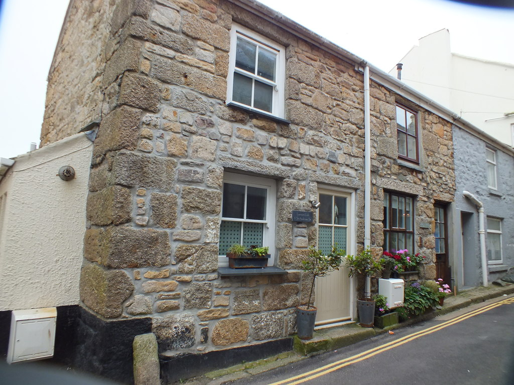 Image showing a house for sale in Cornwall